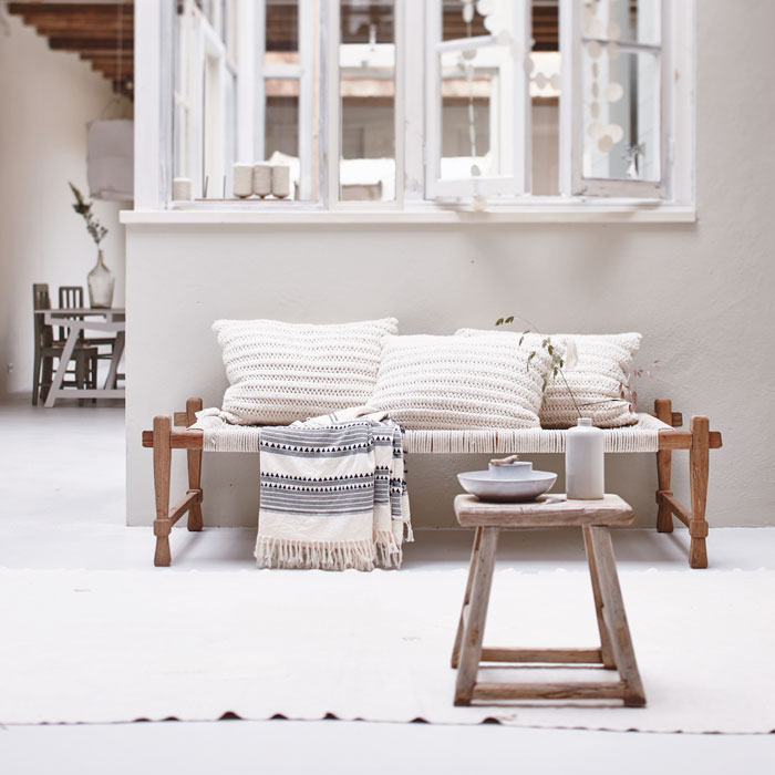 Link love   Bloesem Kids: Clean and simple daybedLink love   Bloesem Living: Bright and airy space