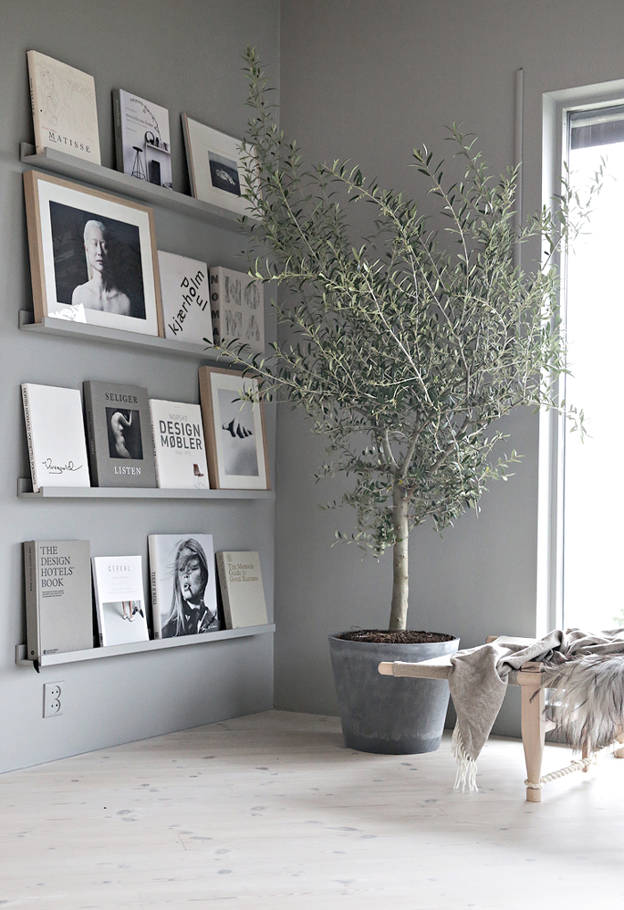 Bloesem Living | Link Love: Book Wall