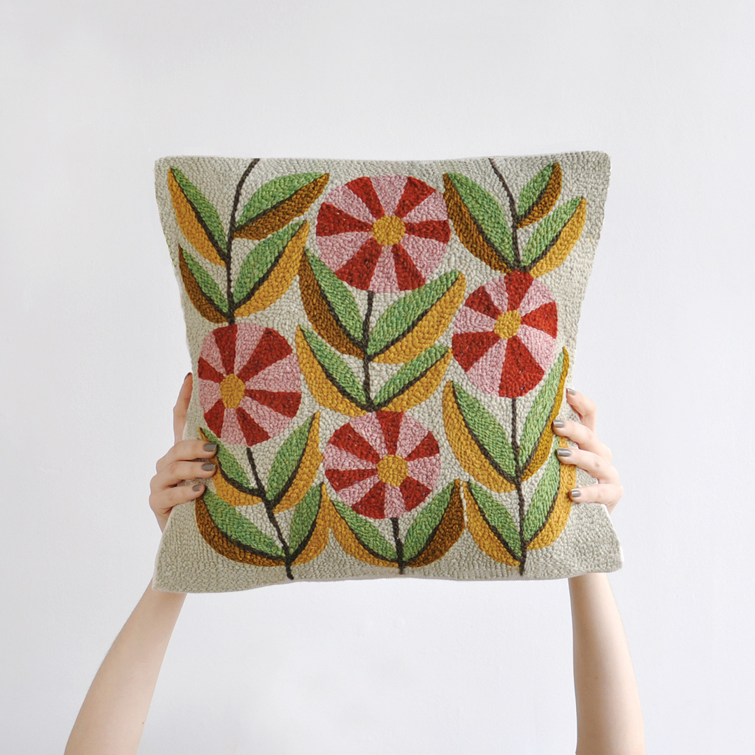 1.-Flowery-Cushion_bookhou_1080x1080