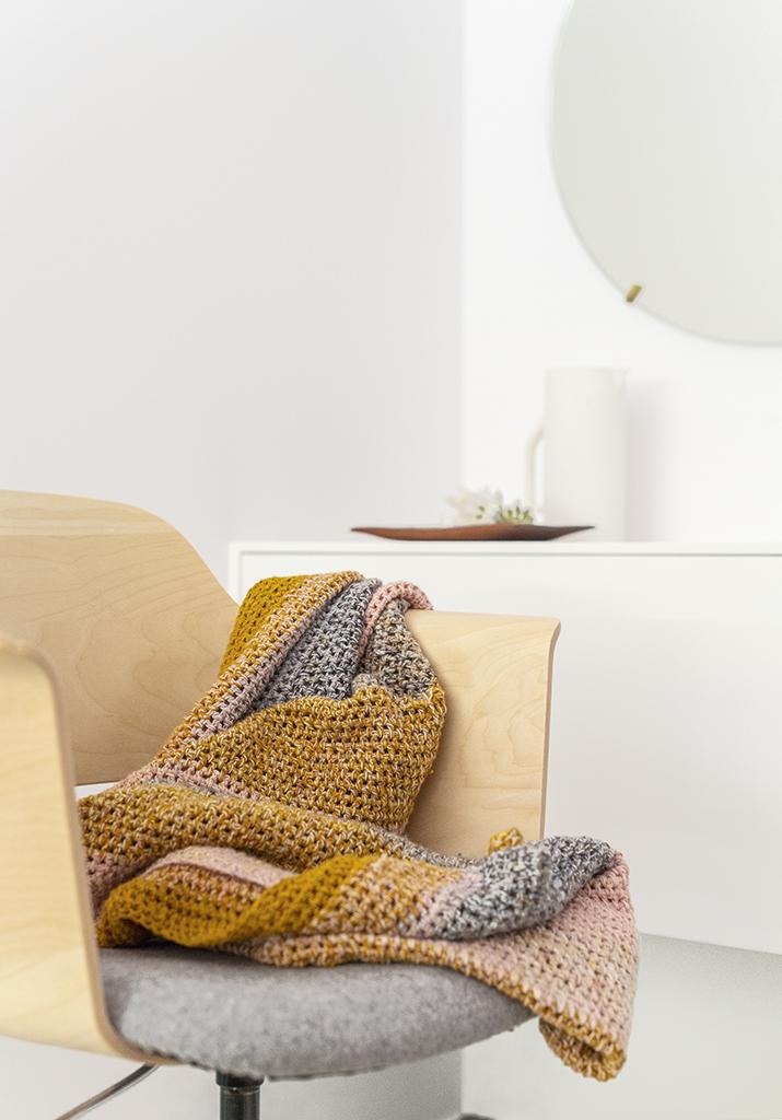 KOEL #8_ Syringa Blanket by Irene Hoofs