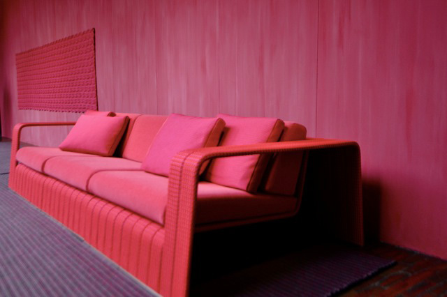 Red_outdoor_couch