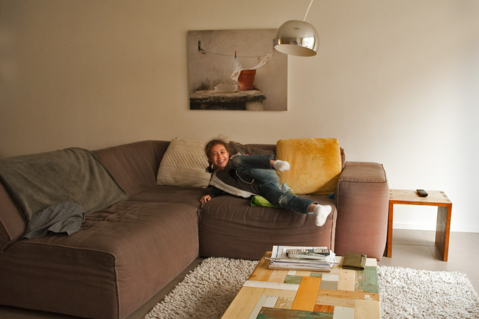 Living-room,-my-youngest-daugter-Kim,-photo-on-the-wall-also-made-by-my-sister-Flower-Fox-fotostudio